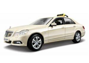 Автомодель (1:18)Mercedes Benz E-ClassGerman Taxi version светло-жёлтый