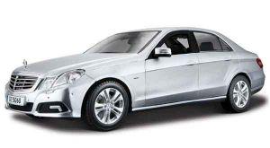 Автомодель (1:18) Mercedes-Benz  E - Class серебристый