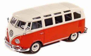 Автомодель Volkswagen Van Samba (1:25) красно-кремовый